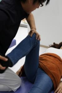 須磨区鷹取はくの接骨院 膝の施術