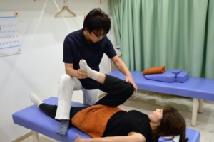 須磨区鷹取はくの接骨院 腰痛施術